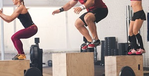Differenze di genere nel movimento totale del ginocchio sul piano frontale e della velocità durante atterraggio funzionale monopodalico