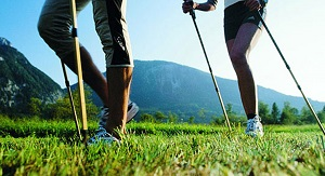 Differenze nelle forza di reazione al suolo e lo shock all'impatto tra Nordic walking e camminata