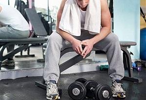 L'effetto allenante di un allenamento di forza contemporaneo ad uno aerobico dipende dalla durata del recupero.