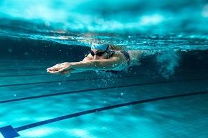 Gli effetti della fatica nel nuoto sulla forza della spalla, sul range di movimento, sul controllo articolare e sulle prestazioni dei nuotatori